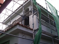 現場3 雨樋取り付け、ベランダテラス設置工事