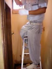 洗面所クロスをパネル板に張替工事2