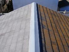 左側が南側屋根、右側が北側屋根