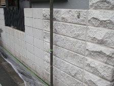 石のブロック塀