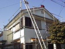 屋根に雪止め金具と屋根漆喰を 塗り替え