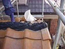 瓦屋根棟漆喰工事3