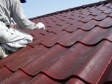 U瓦屋根塗装工事、施工風景3