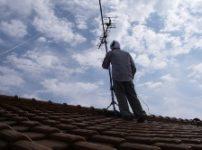 屋根上テレビアンテナ撤去
