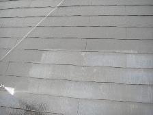 コロニアル屋根塗装前に高圧洗浄機で水洗い3