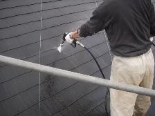 コロニアル屋根塗装前に高圧洗浄機で水洗い4