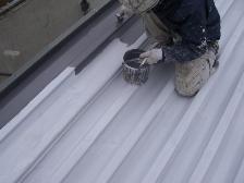 職人によるトタン屋根の遮熱塗装
